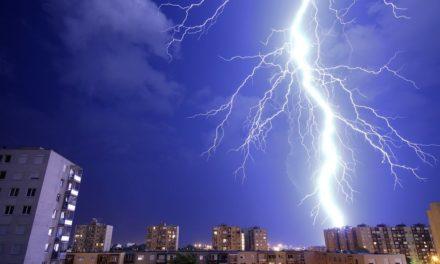 Ein Gewitter erschüttert die Erde: Der Lightning Hackday und das COMINT Network