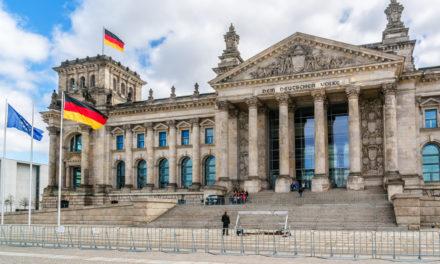 """Libra vor dem Bundestag: """"Wir sehen das Problem nicht"""""""