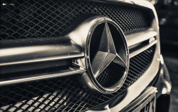 CO2-neutrale PKW-Flotte: Mercedes-Benz verkündet Blockchain-Partnerschaft